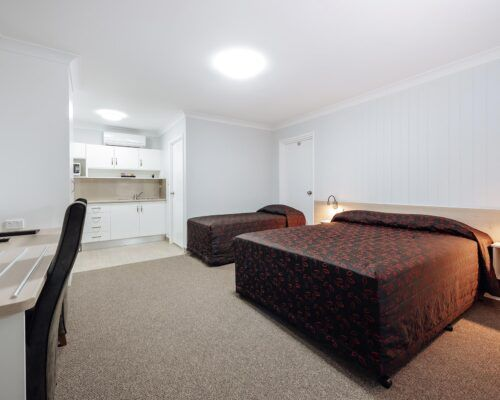 Queensland-Biloela-Accommodation-Room-4 (2)